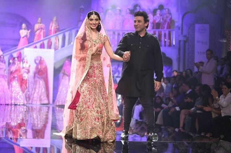 India S Famous Fashion Designer Suneet Varma Brings His Collections To Dubai The Uae News