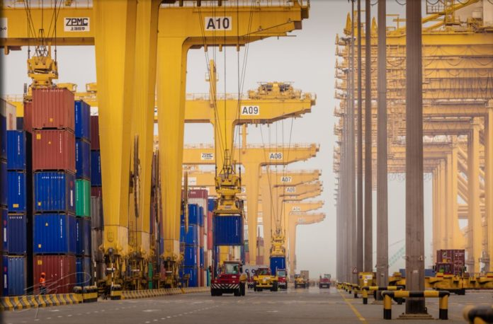 UAE's non-oil trade crosses Dh1 trillion mark in 9 months of 2020