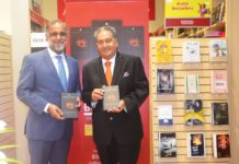 Indian Ambassador Suri visits Border's book store for book signing