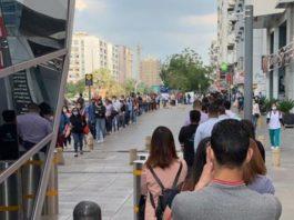 Dubai metro coronavirus queue